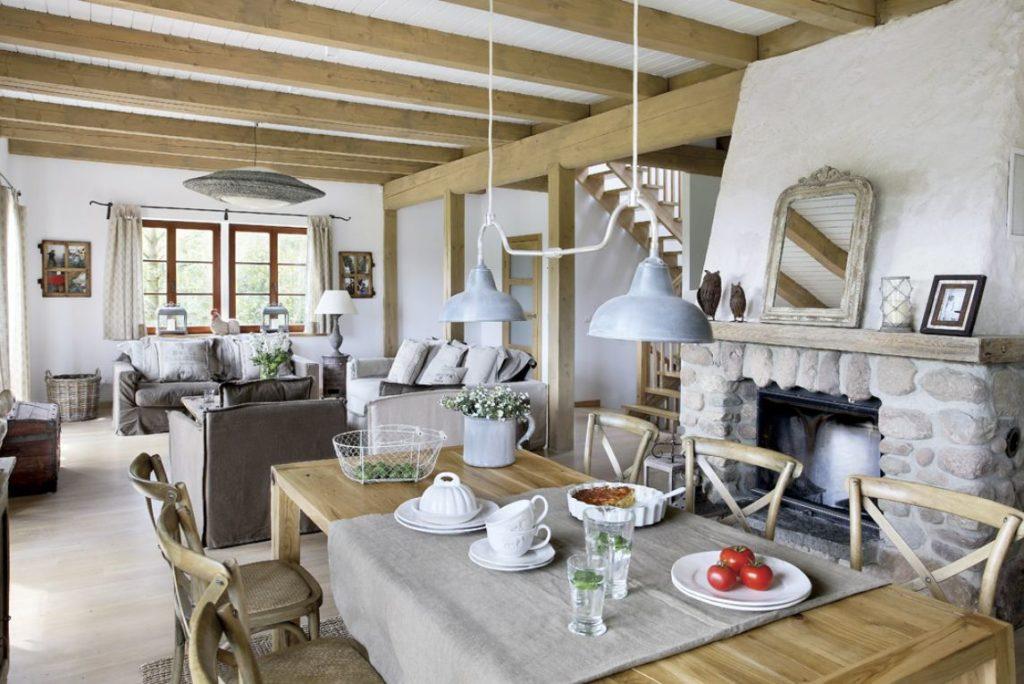 Гостиная в стиле прованс со столом