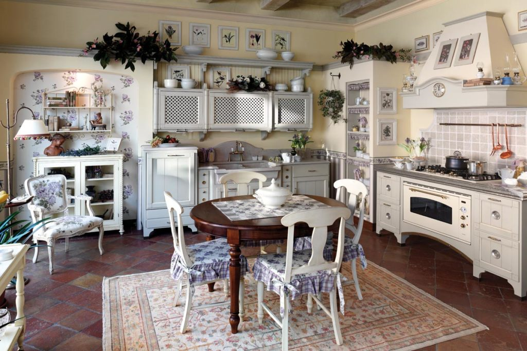 Кухня с ковром в стиле прованс