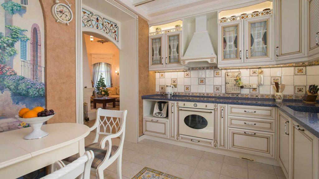 Кухня в плитке в стиле прованс