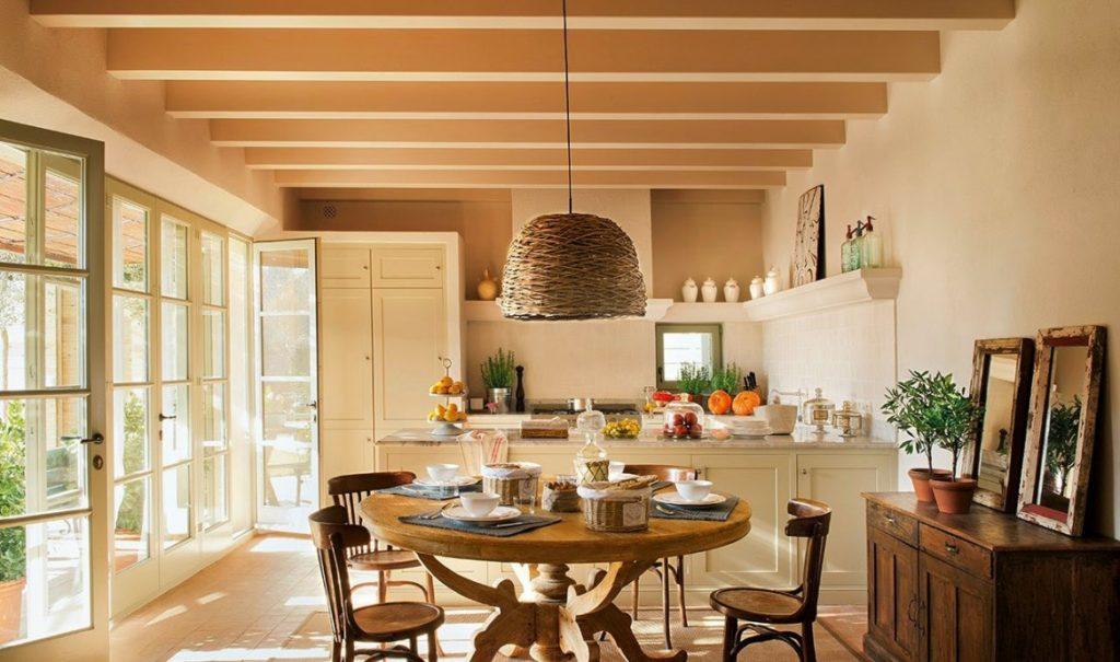 Кухня в стиле прованс с обеденной зоной