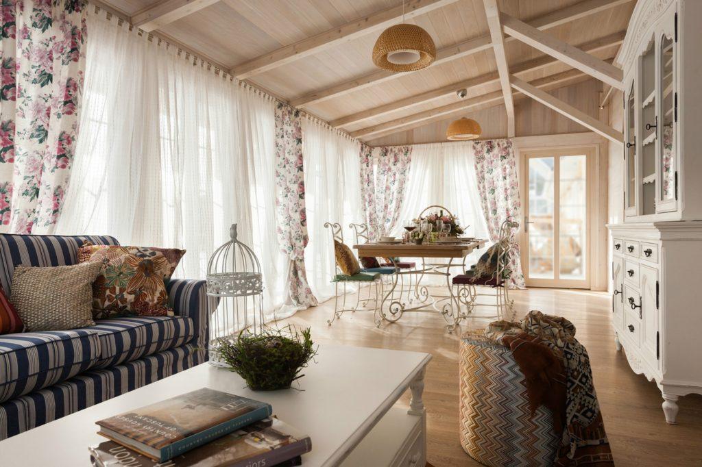 Обеденный зал в стиле прованс