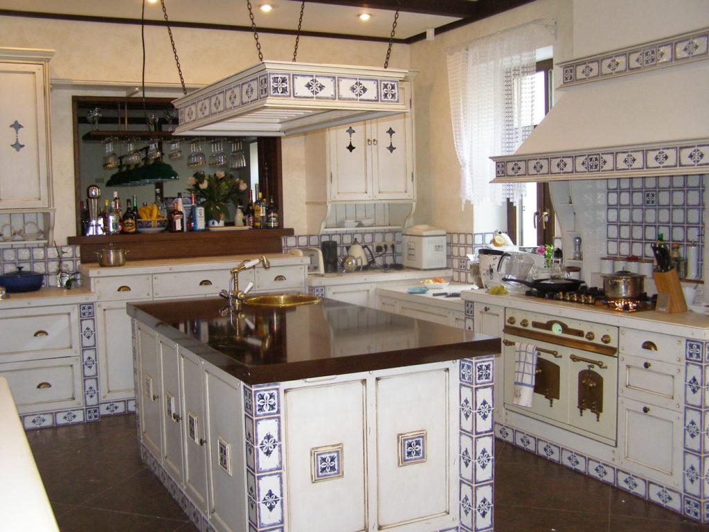 Островная кухня в стиле прованс