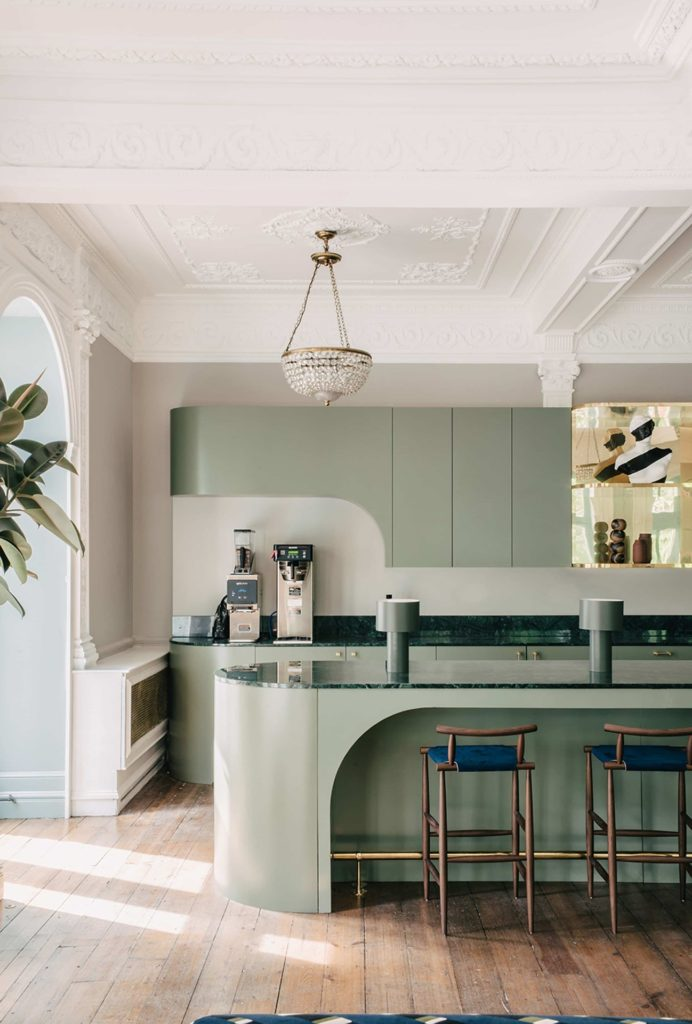Антитренды интерьера, серые кухни